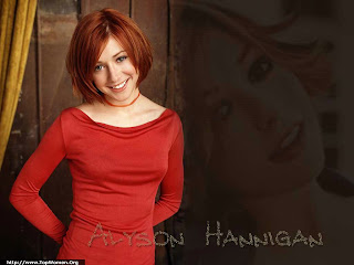Alyson Hannigan Lovely Wallpaper
