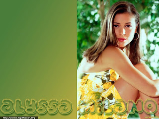 Alyssa Milano Lovely Wallpaper