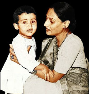 Abhishek Bachchan Childhood Picture With Jaya Bachchan