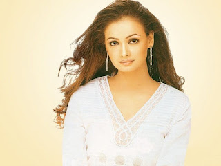 Diya Mirza Sexy Wallpaper