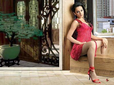 Kangana Ranaut Hot Wallpaper In Sexy Red Dress