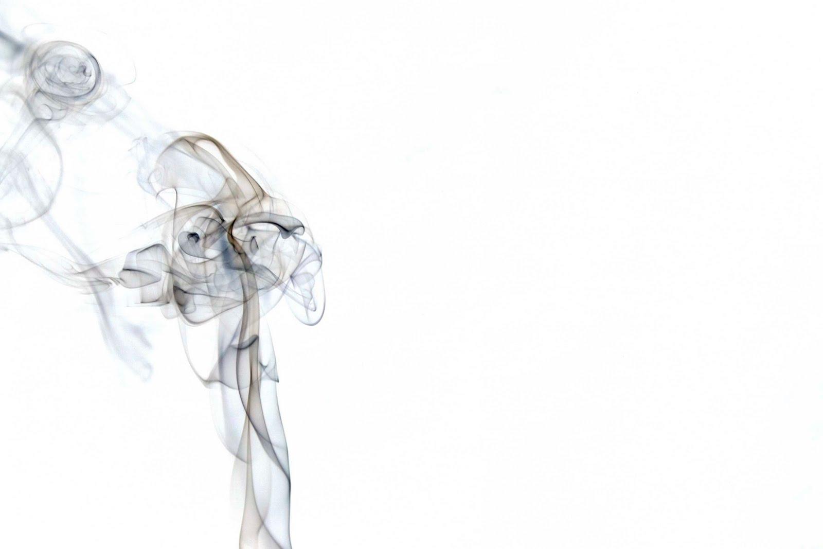 http://4.bp.blogspot.com/_nEr3zo-Qi1Q/SxL2mnulD7I/AAAAAAAABB4/sQsXCn0xGIM/s1600/smoke4.jpg