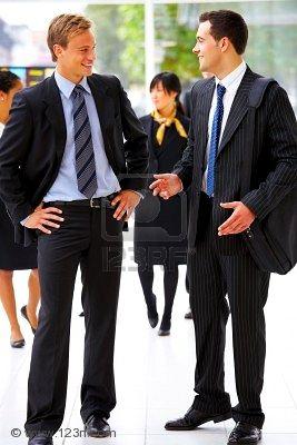 http://4.bp.blogspot.com/_nEtsa6rak9c/TMAVxMiz-BI/AAAAAAAAAE8/FXit_MZE7R0/s1600/2224486-retrato-de-dos-personas-hablando-de-negocios-en-un-moderno-entorno-de-oficina.jpg