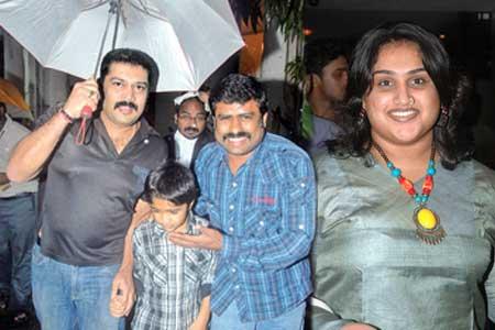 First husband Akash filed a Complaint Against Vanitha ...