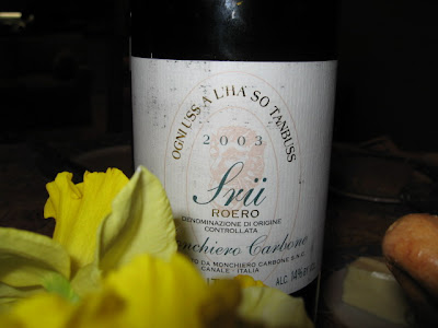 sru roero Monchiero Carbone front label with daffidil