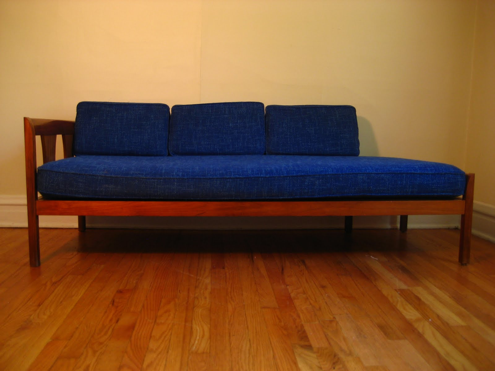 Sofa Daybed sofa style daybeds Gallery Image Lautarii