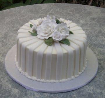 Cake Decorating Fondant Stripes : Wedding Cakes Fashion Feature