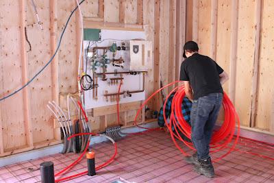 Le menuisier comment installer un plancher chauffant for Pose plancher chauffant eau