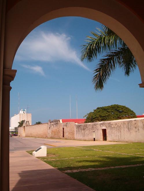 muralla puerta de mar y soledad