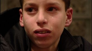 http://4.bp.blogspot.com/_nLJlgi1qPkg/TEdaMfYhZOI/AAAAAAAABLc/-EOV1kauIA4/s1600/A-young-player-in-crying.jpg