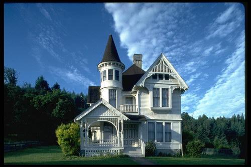 Дом в стиле замка своими руками 72