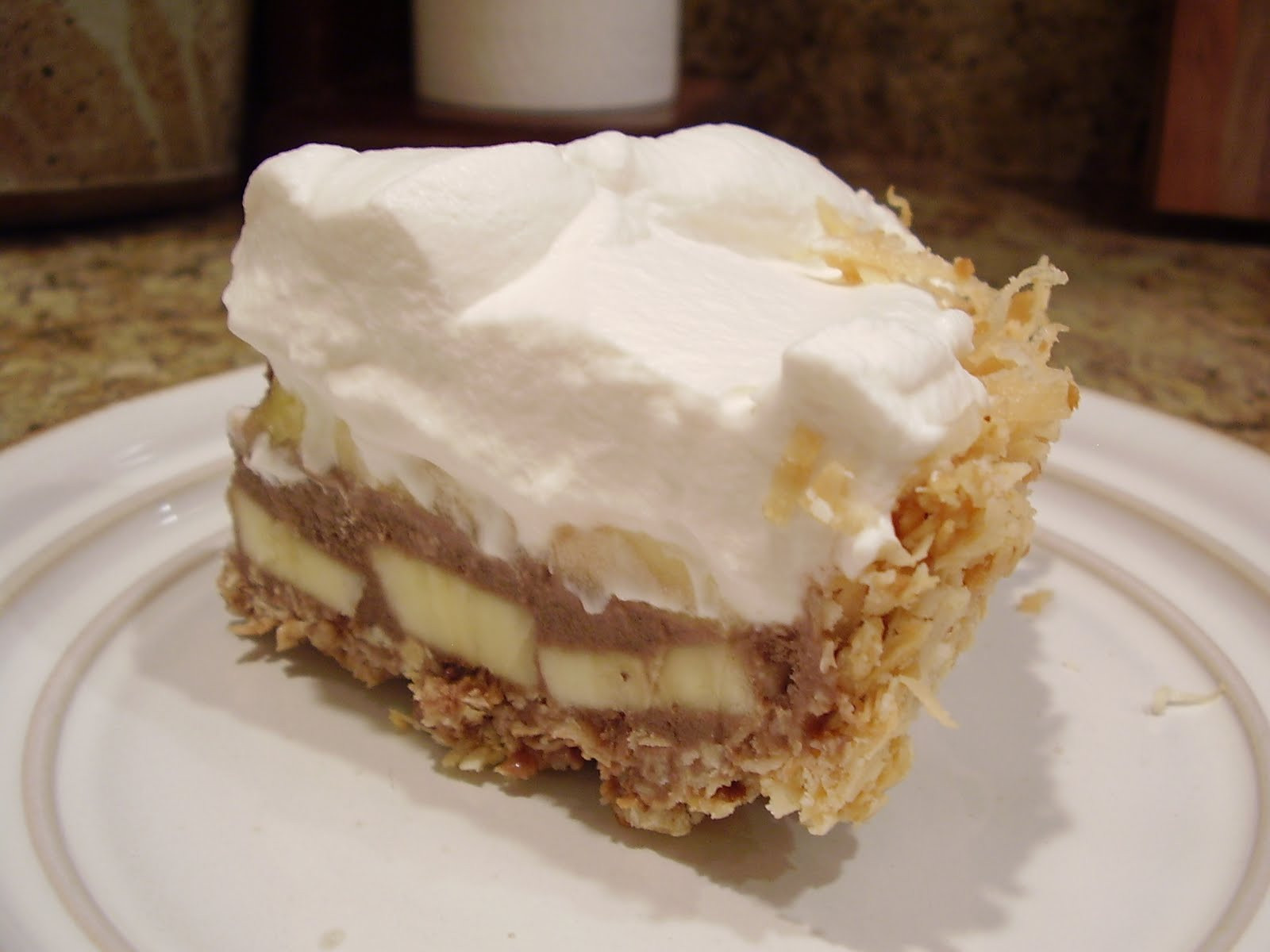 The Sweet Life: TWD: Banana Coconut Ice Cream Pie