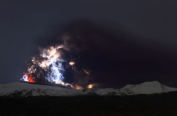 iceland volcano lightning. Iceland Volcano Pictures: