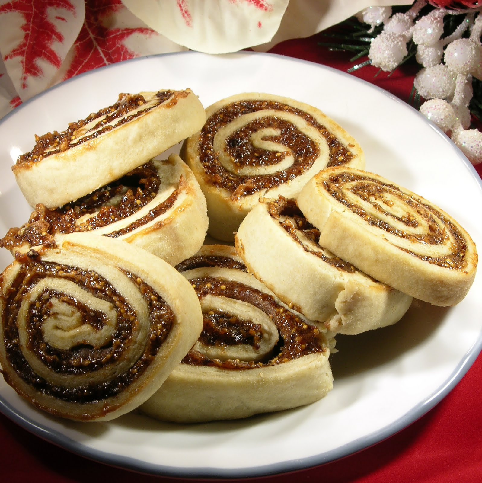 The Twisted Kitchen: Christmas Cookie Explosion #6 - Fig Swirls