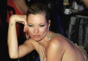 Kate Moss celebró sus 37 años con tremenda borrachera