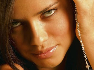 Adriana Lima Hottest Hollywood Actress Photo Pics
