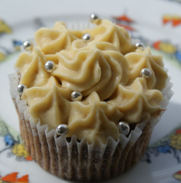 Coolest Cupcakes: Sweet sweet Friday: Spicy parsnip and pecan cakes