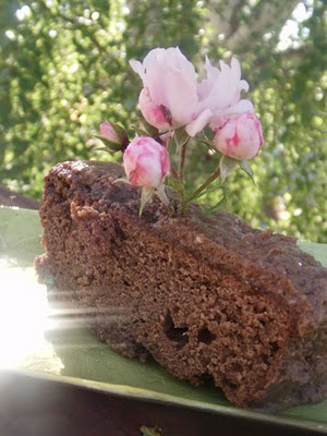 Mocha brownies with roses