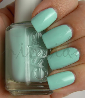Essie+-+Mint+Candy+Apple_1+copy.jpg