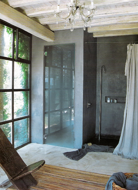 Iron and Glass, open-concept shower and sleeping quarters, image via Côté Maison as seen on linenandlavender.net, post:  http://www.linenandlavender.net/2010/01/design-daily_3624.html