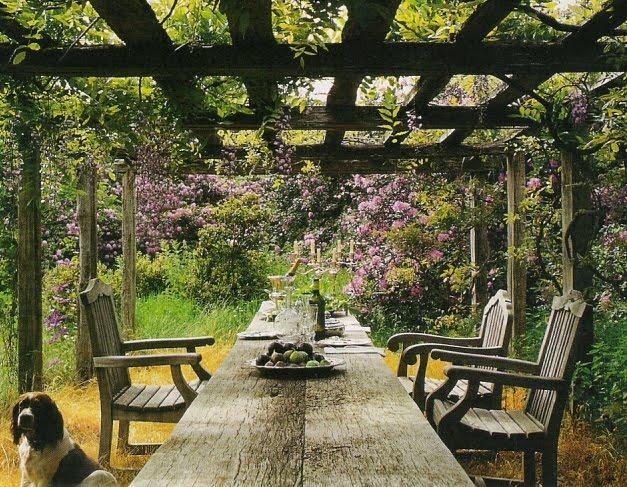 linenandlavender.net: Design Daily - Vervoordt gardens, alfresco dining