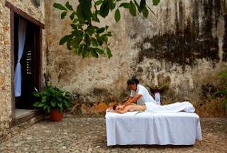 Massage Alfresco, L'Hacienda Uayamon as seen on linenandlavender.net, http://www.linenandlavender.net/2010/08/blog-post.html
