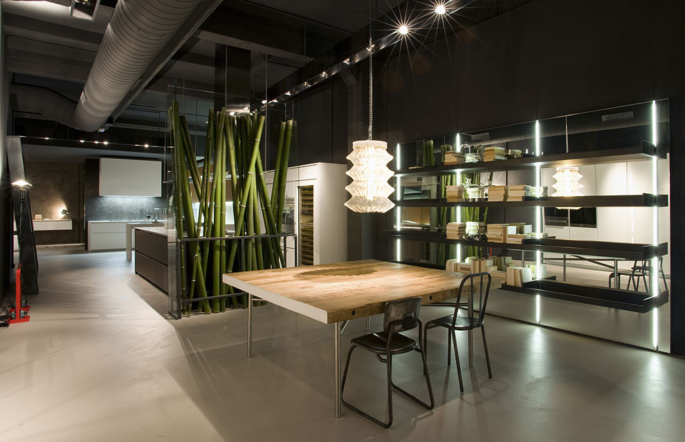 Renata ortiz interior design barcelona sucumbe ao for Showroom cuisine paris