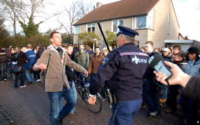knuppels tegen scholieren in Middelburg