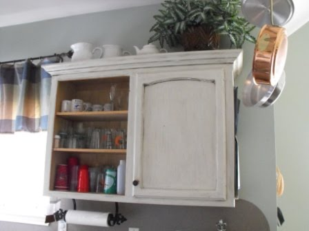How to Clean Oak Kitchen Cabinets | eHow