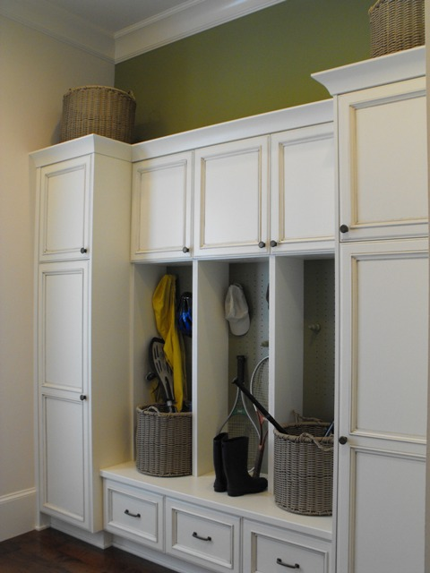 Yellow front door with grey exterior i love the brightness for Southern closets