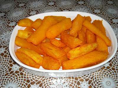 My cuban traumas yuca roja frita red fried cassava - Como cocinar yuca ...