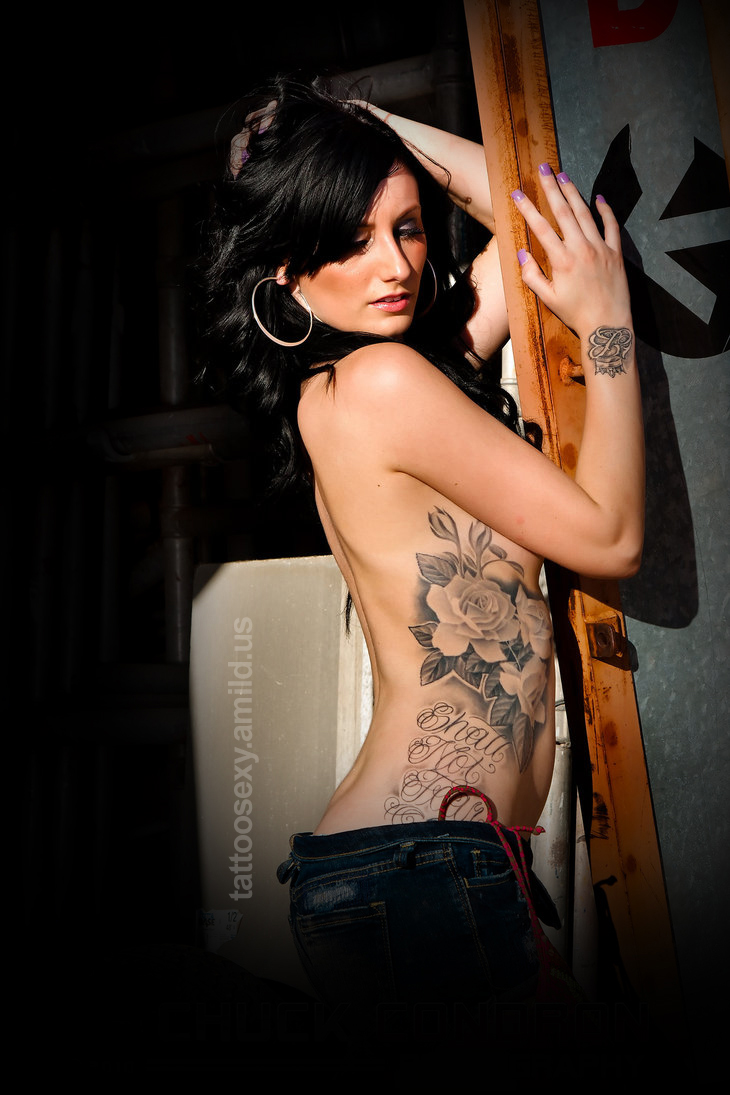 Amazing tattoo girl galery 3 for Hot female back tattoos