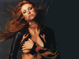 American actress and former fashion model Angie Everhart