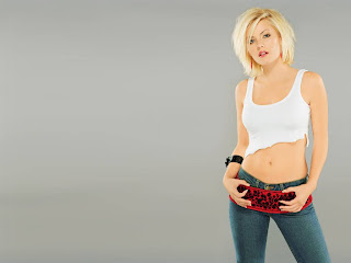 co-host of the Canadian children's television series Popular Mechanics for Kids Elisha Cuthbert