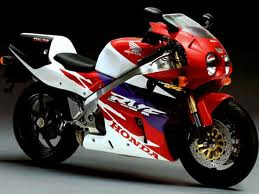 review Honda RC45 motorbike picture