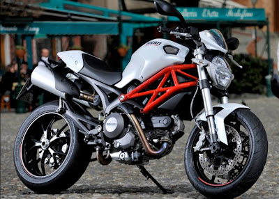 picture Ducati Monster 796 wallpaper