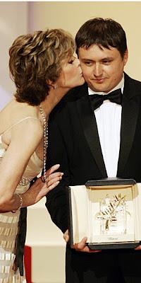 Jane Fonda congratulates Cristian Mungiu