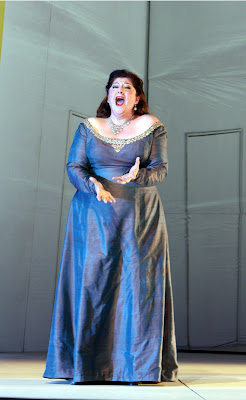 Christine Goerke (Chrysothemis) in Elektra, Washington National Opera, 2008 (photo by Karin Cooper)
