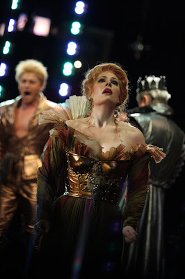 Sondra Radvanovsky in Lucrezia Borgia (with Vittorio Grigolo and Ruggero Raimondi in the background), Washington National Opera, photo by Karin Cooper