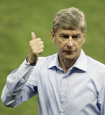Wenger gives the thumbs up.