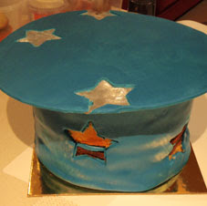 magic top hat cake