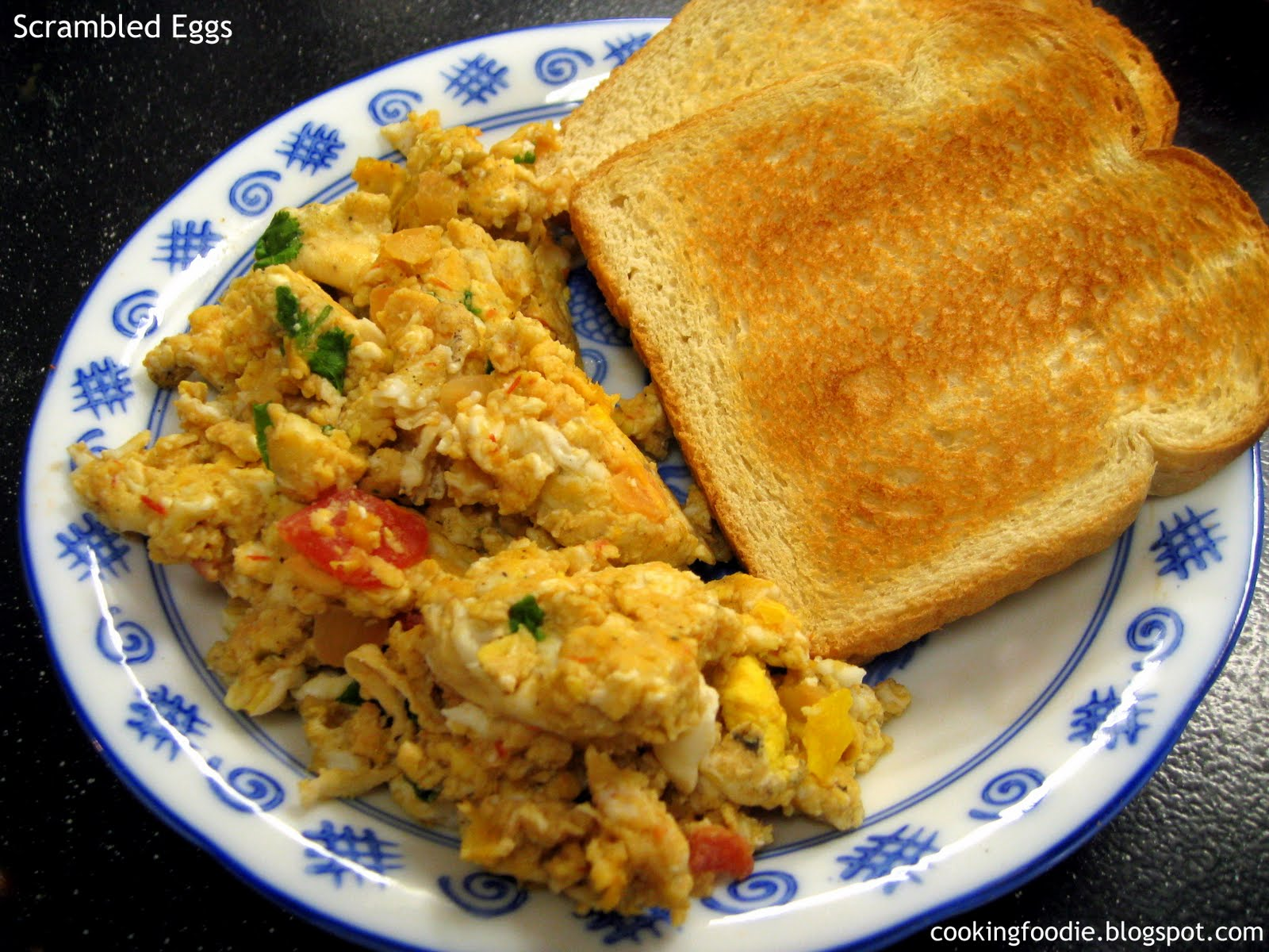365 days of Eating: 5 minute breakfast - Scrambled Eggs and Toast