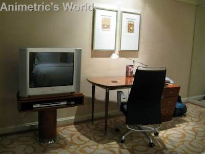 Hyatt Manila's King Room TV and study