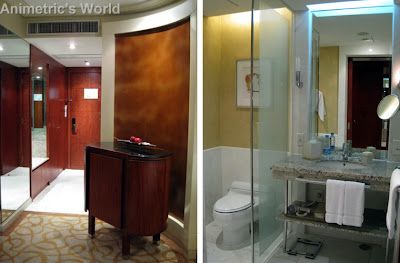Hyatt Manila King Room entrance and bathroom