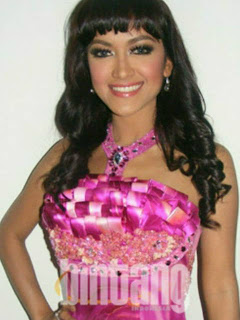 Julia Perez Calon Bupati Pacitan?, foto Julia Perez, Jupe seksi, calon bupati Pacitan, artis seksi Indonesia
