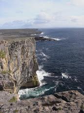 ドゥーン・エンガスの絶壁/イニシュモア島/アイルランド