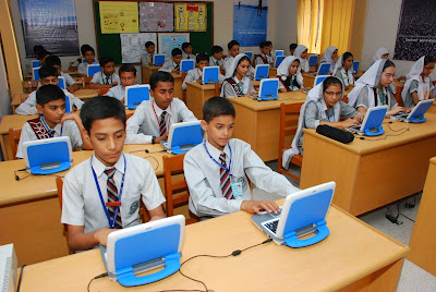 Intel Pakistan Donates Wifi Enabled Classmate PCs to Students
