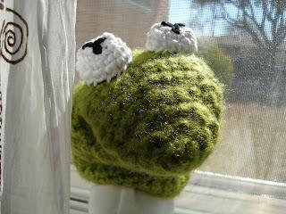Frog Puppet Kermit Free Crochet Pattern toy hand muppet sesame street