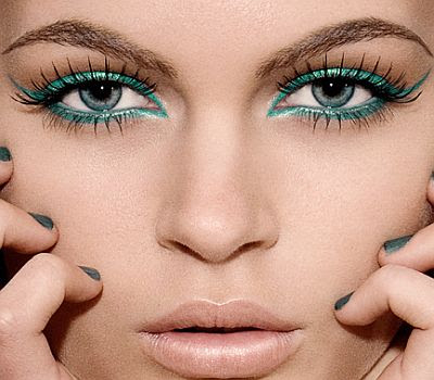 makeup ideas for blue eyes. Eye Makeup Tips to Brighten Blue