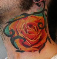 Rosa no pescoço